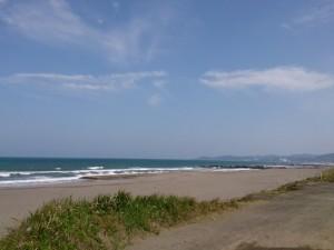 直線1000mのダートコース兼砂浜
