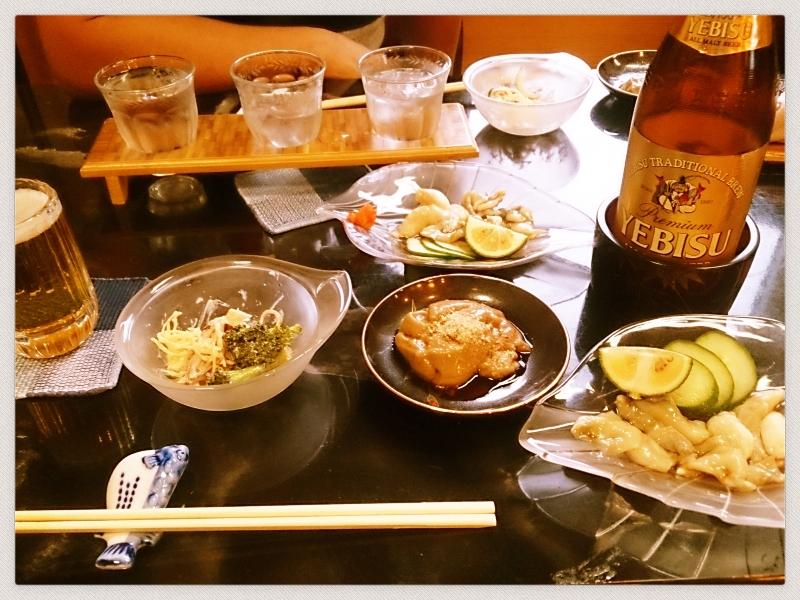 小皿で沢山の種類を楽しめたり、利き焼酎も出来ます☆