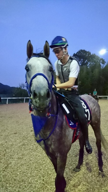 弘平騎手とプラチナバイオ